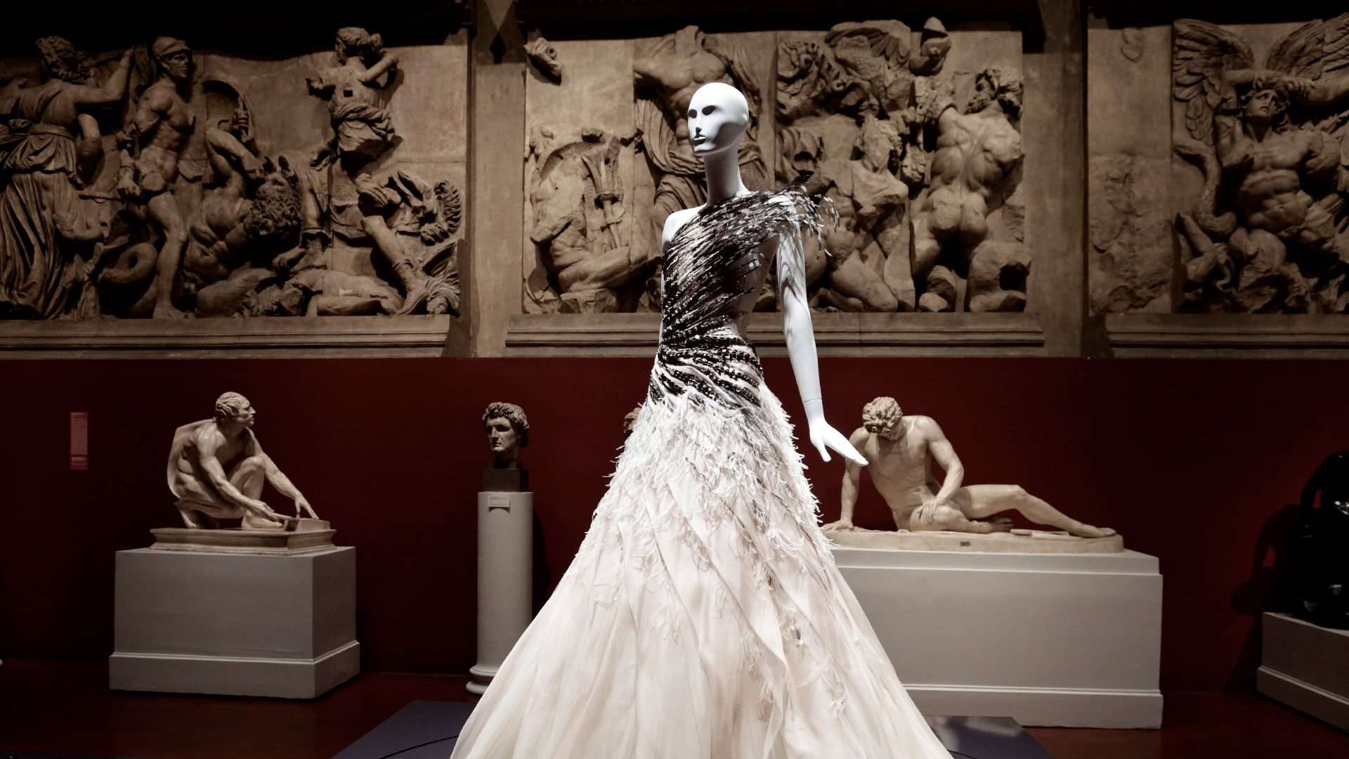 Exhibitors of Fashion